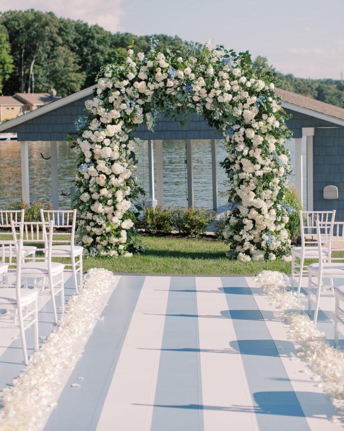 Dreamy Coastal Wedding Decor Ideas to Tie the Knot, 2020 08 08 MJ 02406